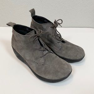 B.O.C Naydeen Gray Suede Leather Ankle Booties